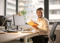 Should Business Owners Pay More Attention to Their Employees Happiness?